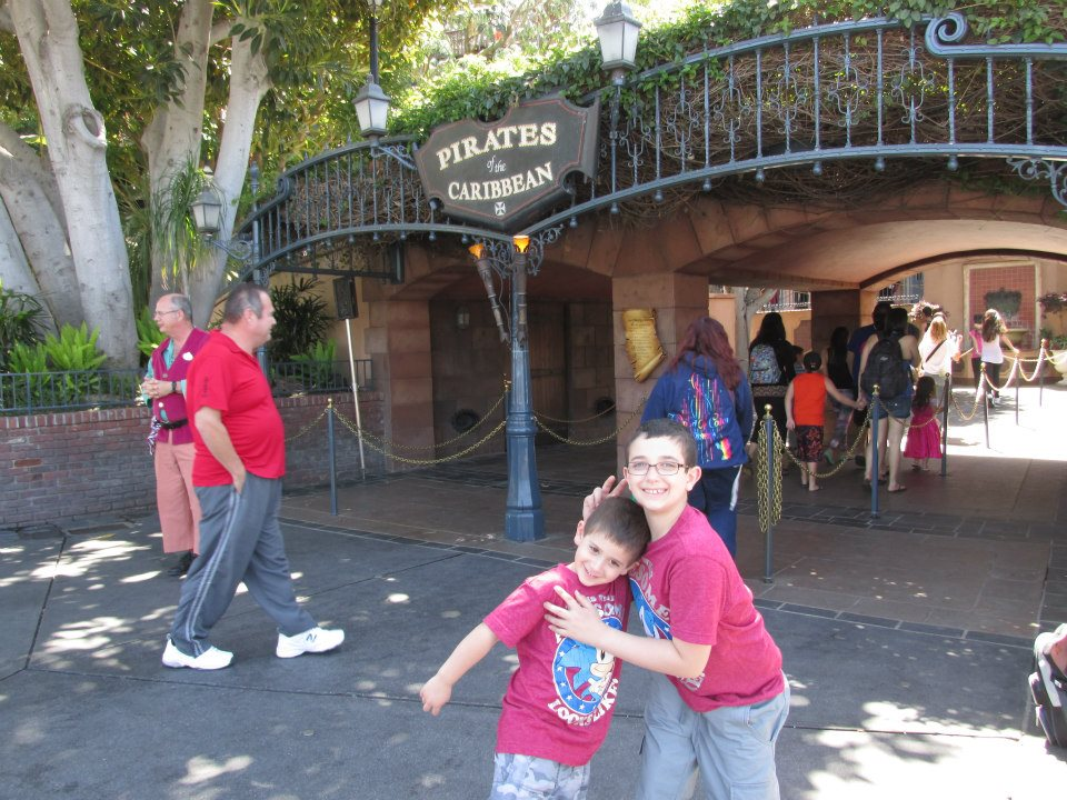disneyland-california-pirates-of-the-caribbean-outside