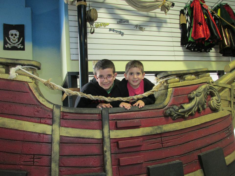kid-ventures-san-diego-california-boys-pirate-ship