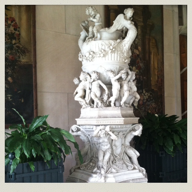 the-elms-newport-ri-cherub-fountain