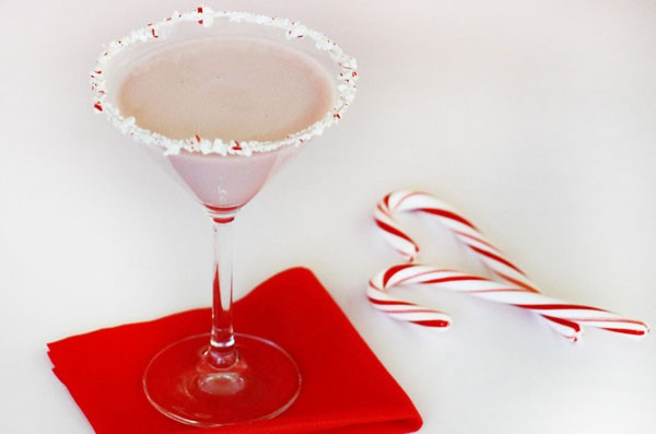chocolate-peppermint-martini-cocktail