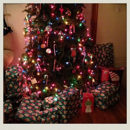 christmas-presesnts-under-the-tree