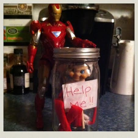elf-on-the-shelf-trapped-in-jar