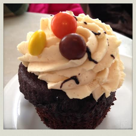 wickenden-street-providence-duck-and-bunny-cupcake