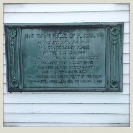 1749-plymouth-court-building-sign