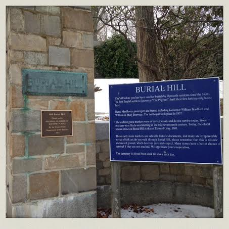 burial-hill-plymouth-ma-entrance-signs