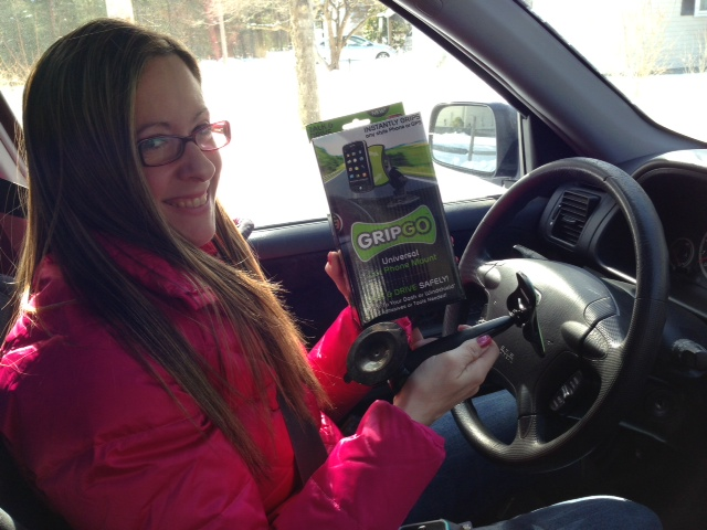 film-shoot-necn-new-england-cable-new-does-it-work-leslie-gaydos-in-car