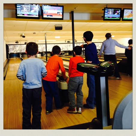 ryan-family-amusements-buzzards-bay-bowling-kids