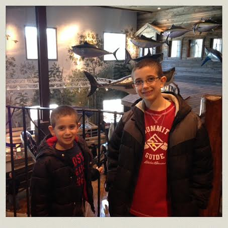Bass-pro-shop-foxboro-store-boys