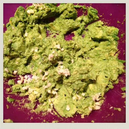 homemade-guacamole-added-garlic