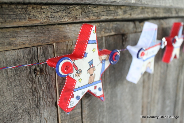 10 Patriotic Decorations Buttons and Star Garland