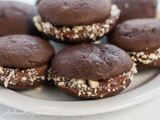 Cookies_mini_choc_whoopie_pies1