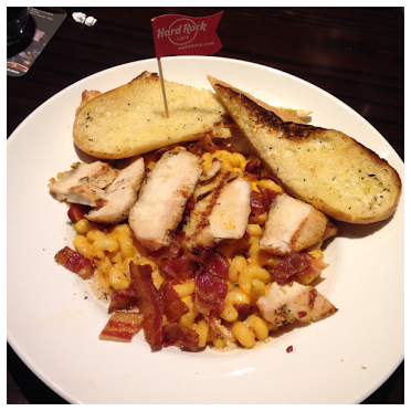 Hard-Rock-Cafe-Boston-twisted-chicken-mac-and-cheese