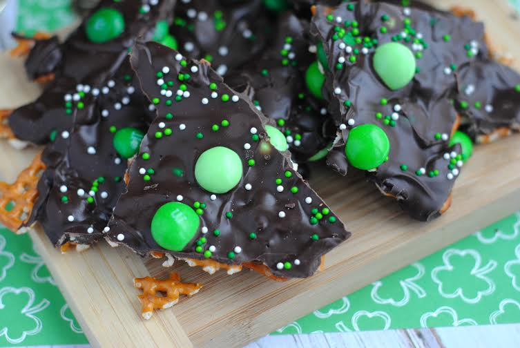 Mint M&M Bark Recipe