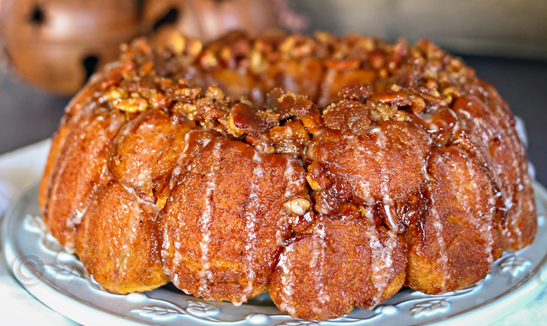Gingerbread & Eggnog Monkey Bread