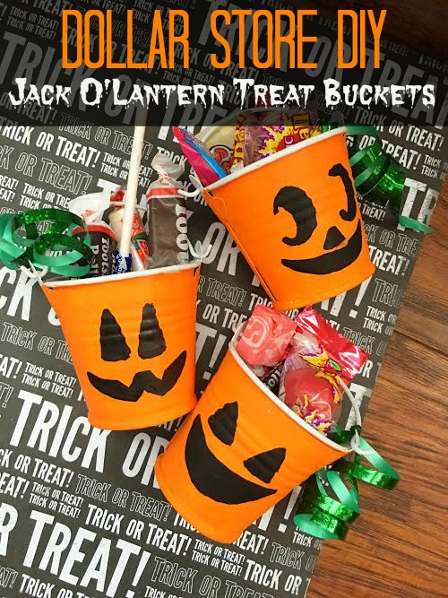 dollar-store-diy-jack-olantern-treat-buckets