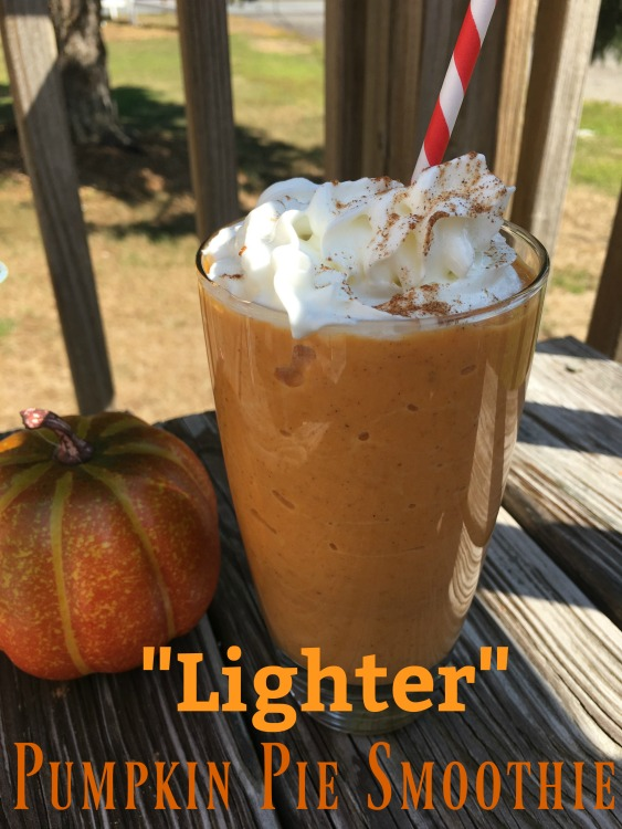 This delicious pumpkin pie smoothie is perfect for the pumpkin lover in your life!