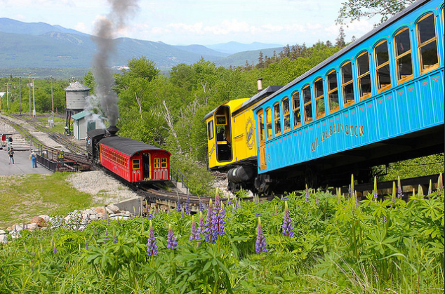 Here's a list of some fun family activities in the White Mountains of New Hampshire. Now you can plan your vacation, day trips and much more in a fun-filled way.