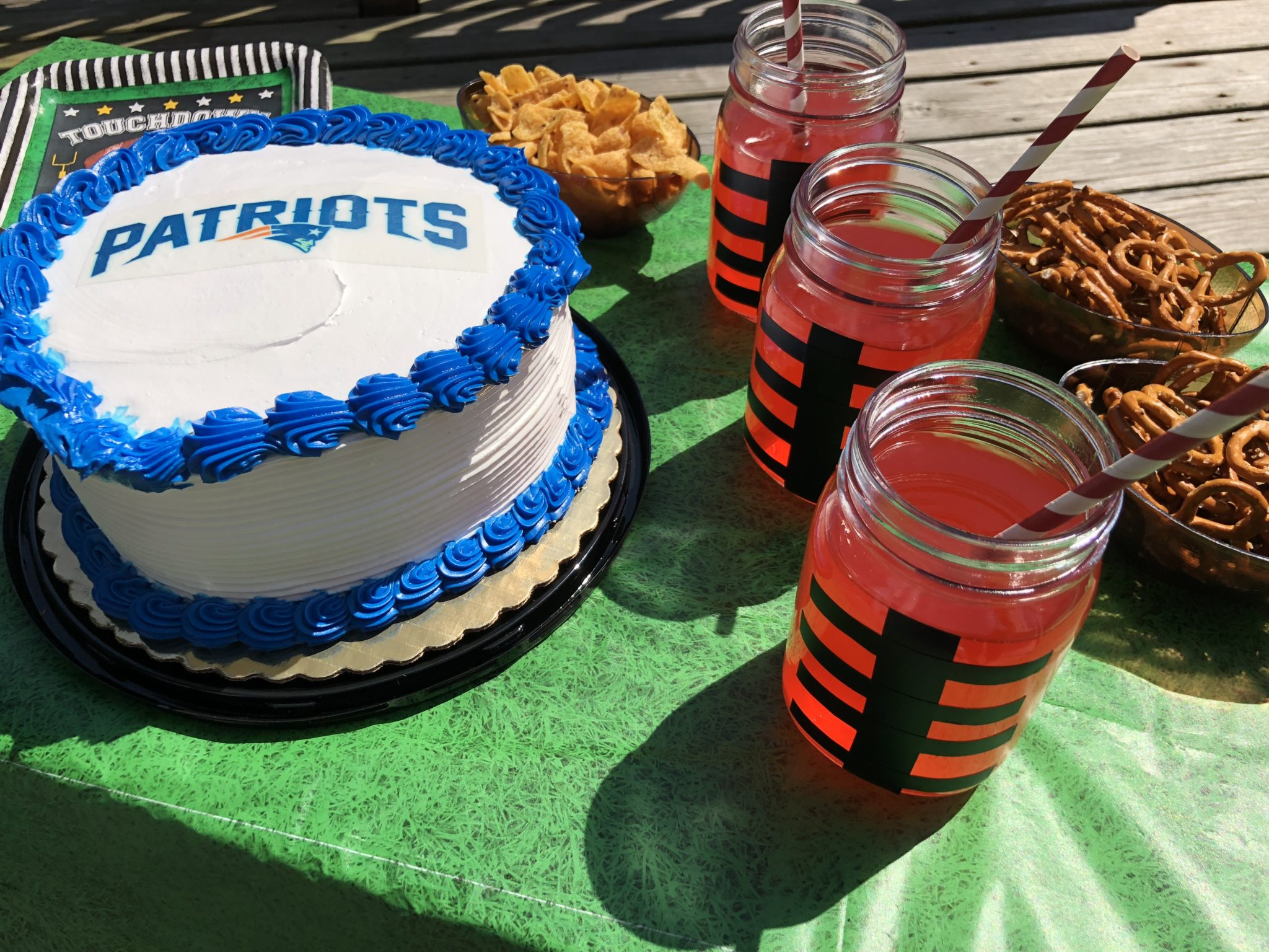 If you want to celebrate the upcoming football season in a fun way, check out your local Stop & Shop bakery for officially licensed NFL cakes today.