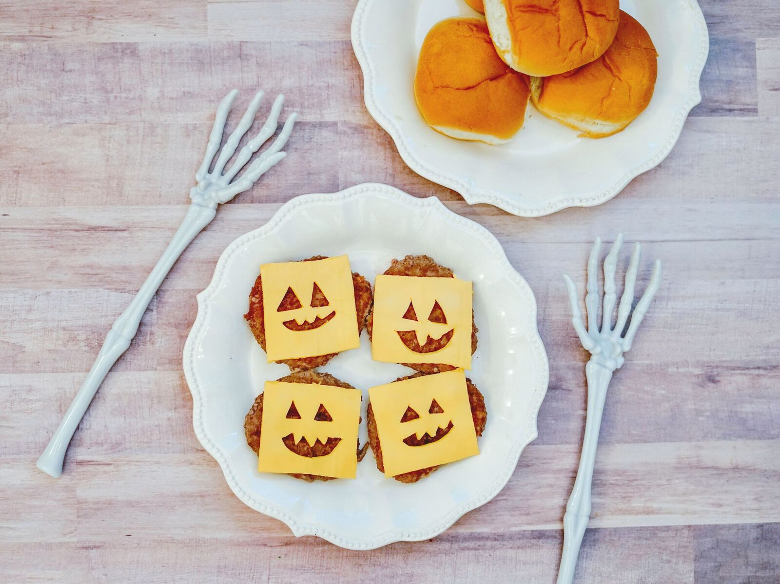 These Jack O'Lantern Cheeseburgers make a fun Halloween dinner idea. They are easy to make and the family will love them.