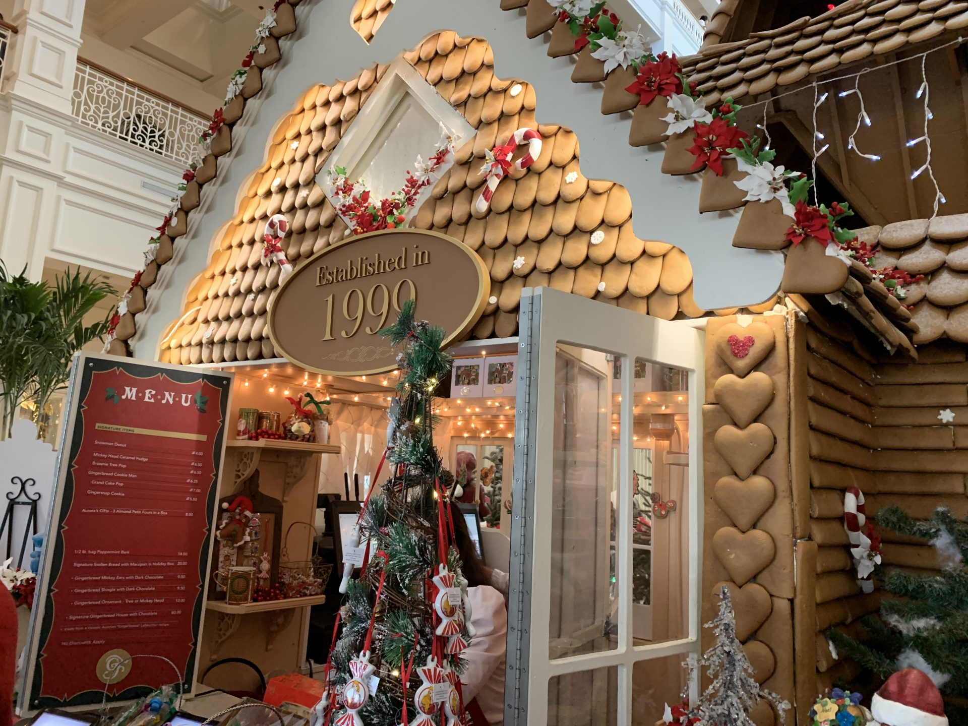 Read on for the best Walt Disney World Resort Christmas decorations. I shared my favorites from all over the resort, including the parks, hotels and more!